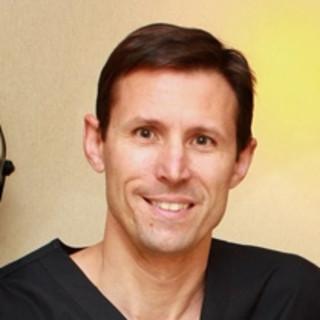 Carl Senft, MD