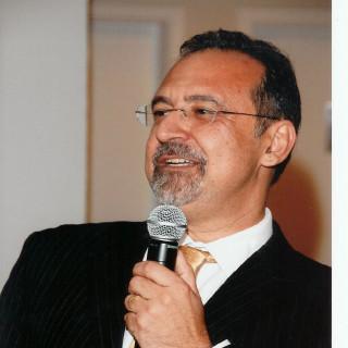 Carlos Gadia, MD