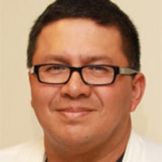 Estuardo Aguilar, MD