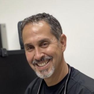 Leon Uribe, MD