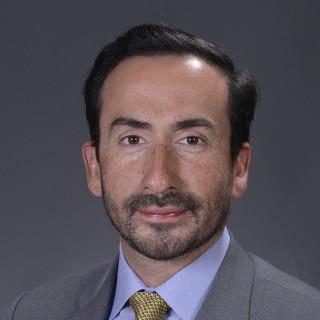 Roberto Flores, MD