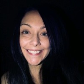 Lora Nayebpour
