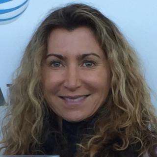 Carolyn Geanacou, MD
