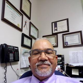 Geraldo Castro-Betances, MD