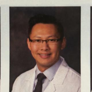 Vinh John Le, MD