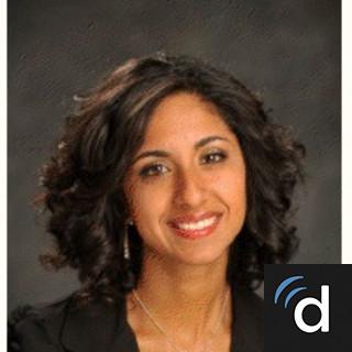 Aqsa Khan, MD, Urology, Phoenix, AZ, Mayo Clinic Hospital