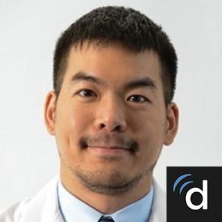 Abraham Wei, DO, Internal Medicine, Harrison, NJ