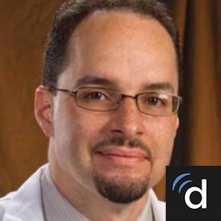 Julio Vializ, MD, Emergency Medicine, Langhorne, PA, St. Mary Medical Center